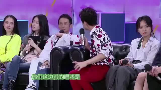何炅让张碧晨猜谁是歌手,张碧晨毫不犹豫:脖子粗的那个