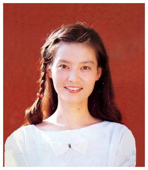 和妻子潘虹离婚,恋上小21岁央视主持王小丫的米家山,现状如何?