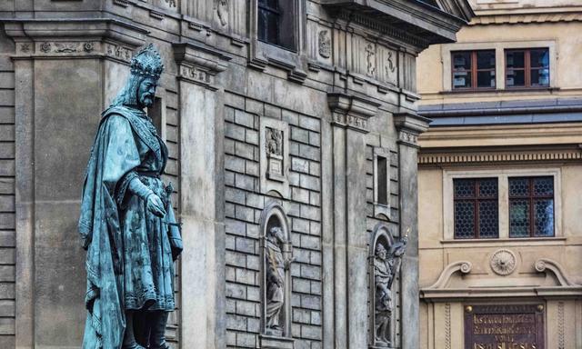 卡夫卡的踪迹和尼采心中的神秘,捷克首都布拉格