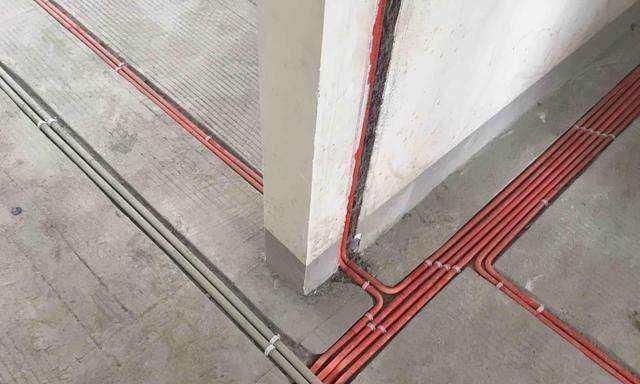 装修布电线不要地面开槽,这样装至少省一半费用,不得不感叹聪明