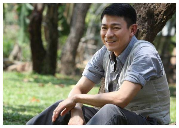 日本女生喜欢啥样的中国男星?黄晓明有点意外,他最符合日本审美