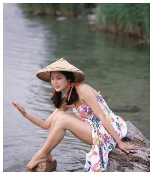陈红年轻时到底有多漂亮?珍贵旧照流出,网友:这才是郎才女貌