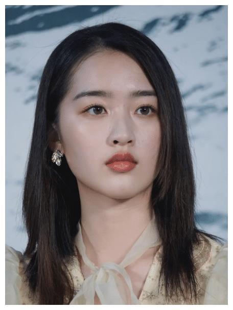 《少女佳禾》,又是一个狗十三式少女,邓恩熙的表演可圈可点