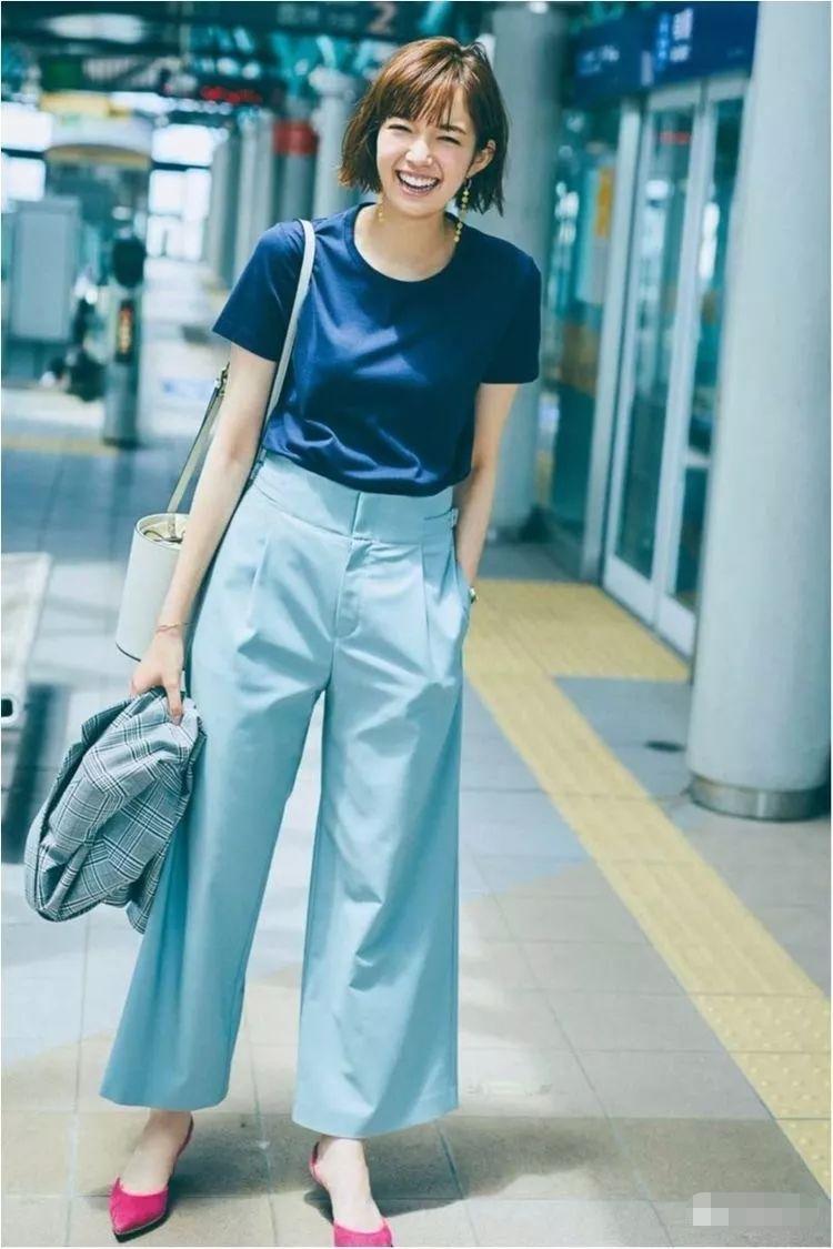 真养眼!阔腿裤搭配出时尚大片,洋气减龄又显高显瘦,百搭又有范