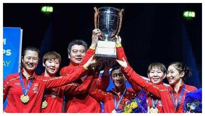奥运推迟国乒重组,25岁世界冠军尴尬,伊藤美诚4-1打崩她后狂笑