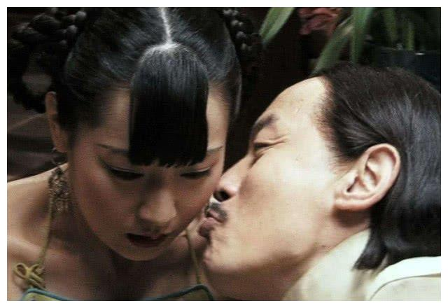 《让子弹飞》未删减版,让宅男们魂牵梦萦,还无意间带红了她!