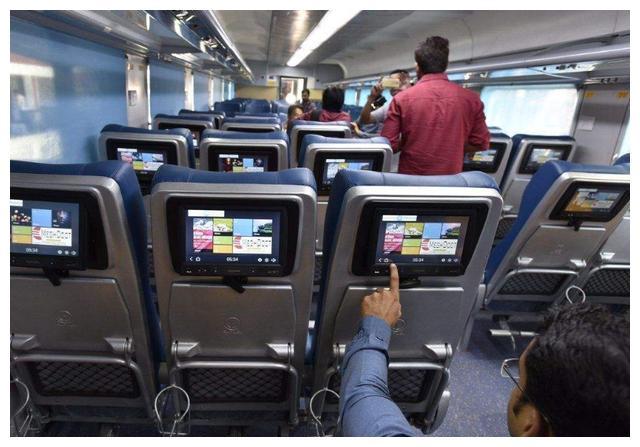 印度最快高铁时速160公里!印度网友:你坐过这么快的火车吗?