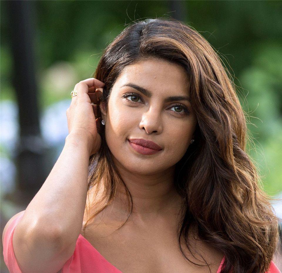 女神写真之Priyanka Chopra,首个主演美国电视剧的宝莱坞演员