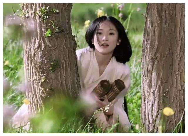 女演员年轻时可以美到什么程度?周迅像精灵,看到蒋勤勤如画中人