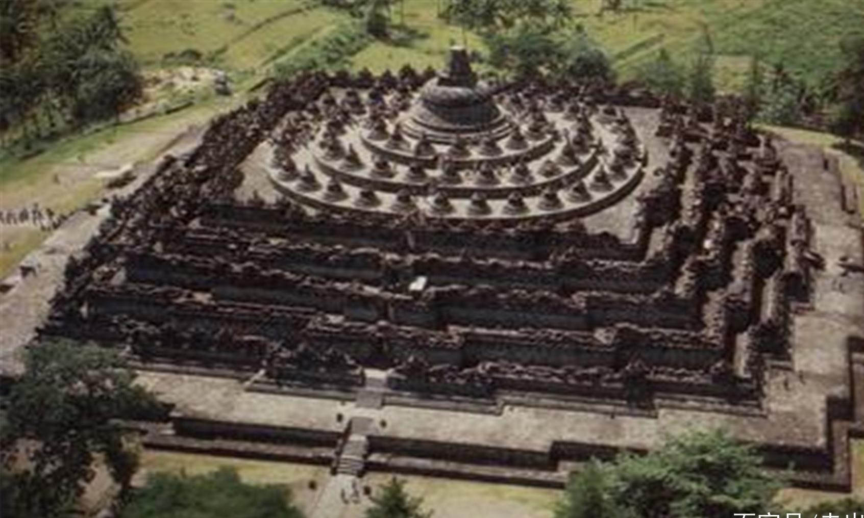 全球最诡异佛塔,曾在火山灰中沉睡千年,古东方四大奇迹之一!