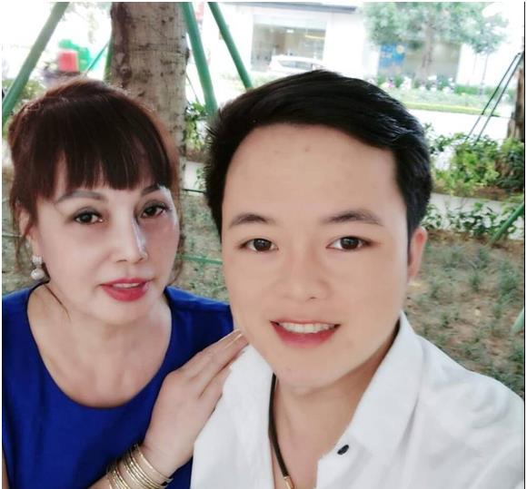 6旬富婆和小伙结婚3年,称女儿和丈夫关系很好,网友给出提醒