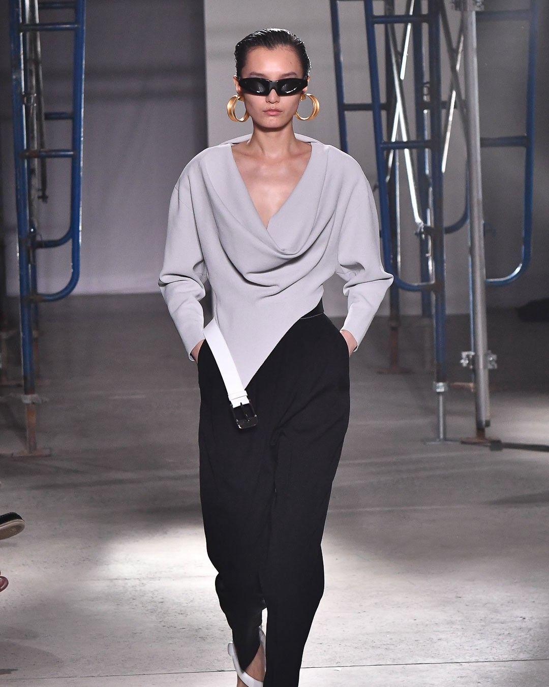 2020春夏纽约时装周:品牌极简的廓形发挥,简约时尚!