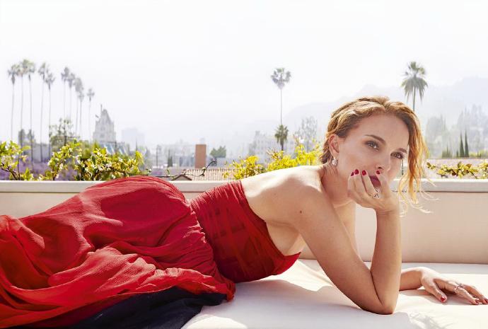 真女神天然美女娜塔莉·波特曼优雅写真,每一张都好美