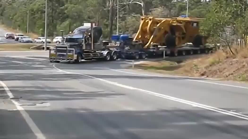 世界罕见的超大型挖掘机,重量高达1000吨!工作效率非常高