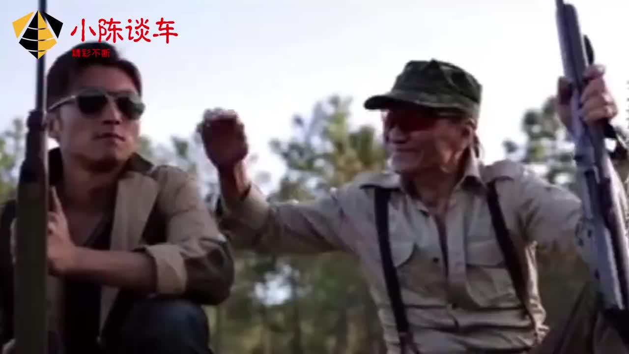 太感人谢霆锋被爸爸摸头显父子情84岁谢贤谈儿子感情激动擦泪