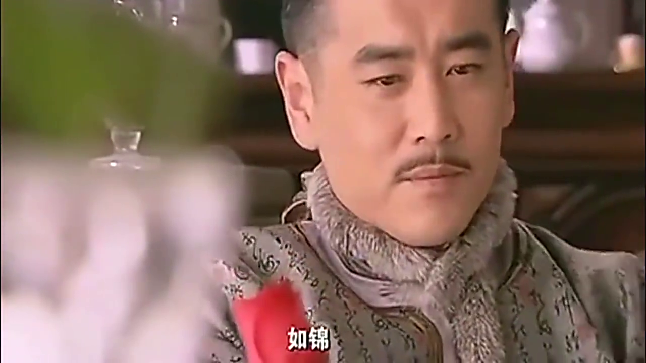 少奶奶找春荣倾诉多年苦水,让他不要再查曹庆祥,结果不欢而散