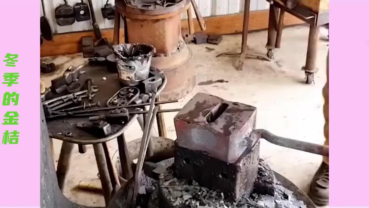中国制造,锤头就是这样制作的,被外国人看到会怀疑人生的!