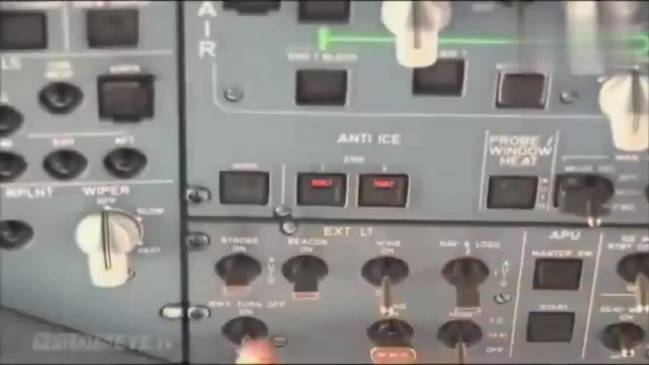 飞行员如何操作飞机降落 驾驶舱镜头 长见识了