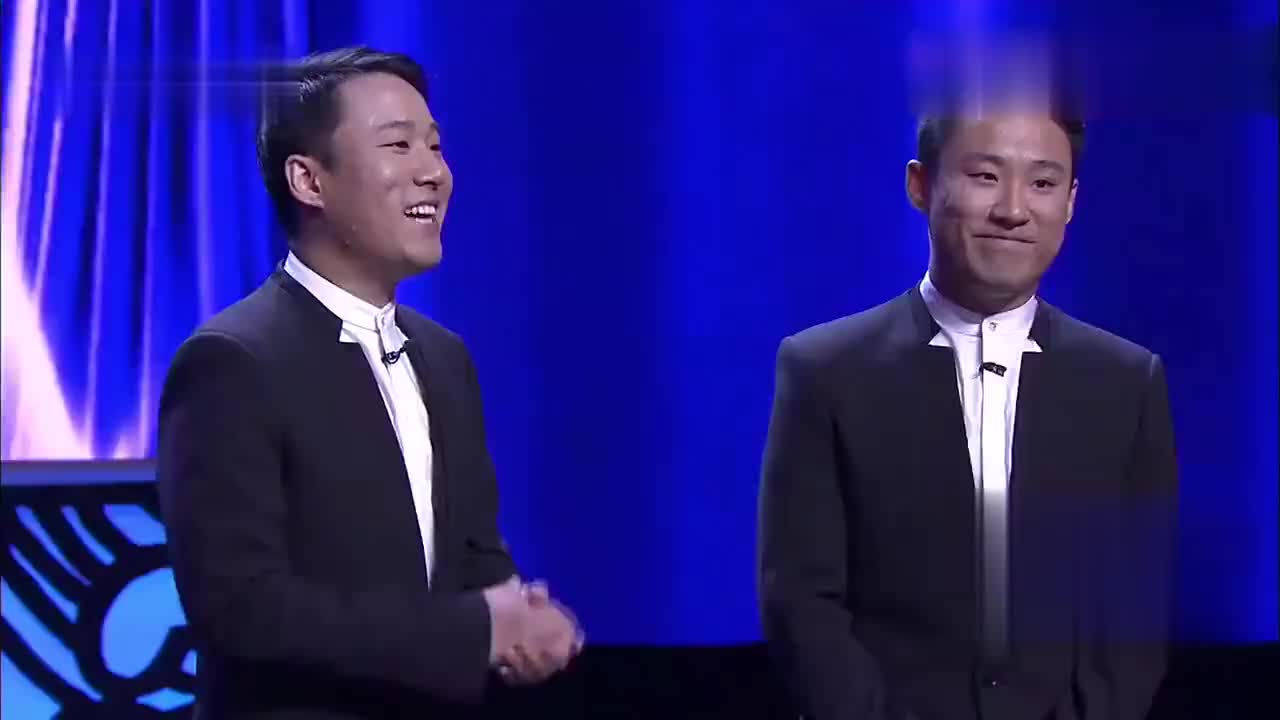 这是长得有多丑啊,中国好声音导师转身后再转回去,太搞笑了!