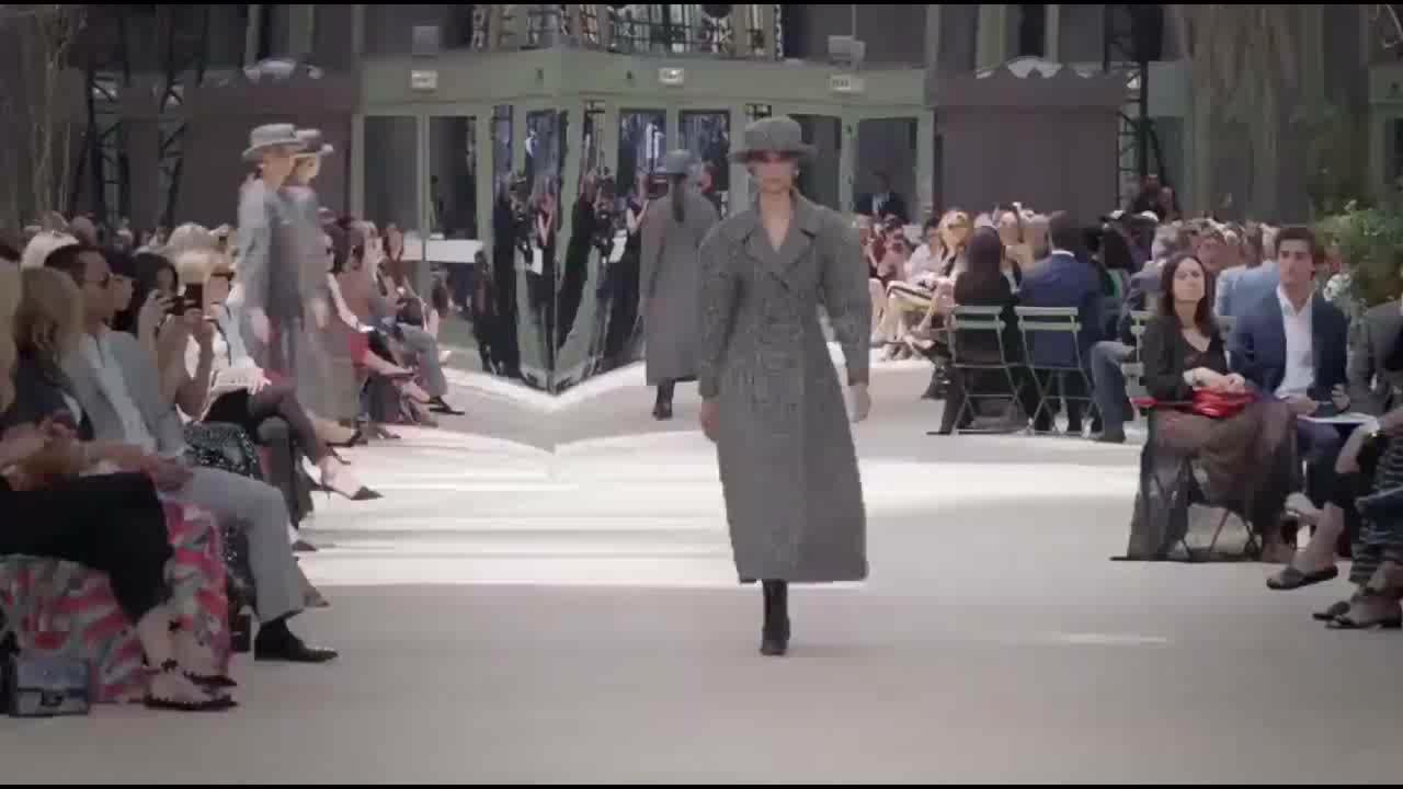 法国奢侈品Chanel高级女式成衣秀场 (2)