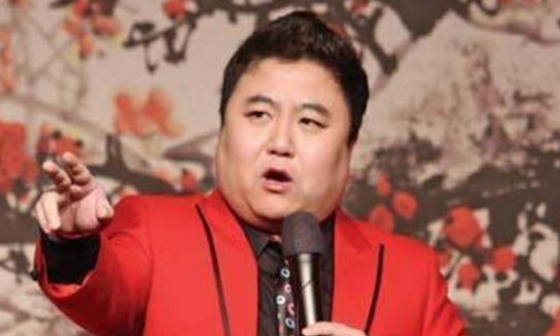 他搭档冯巩春晚一吼走红,不久被判入狱12年,至今仍在服刑