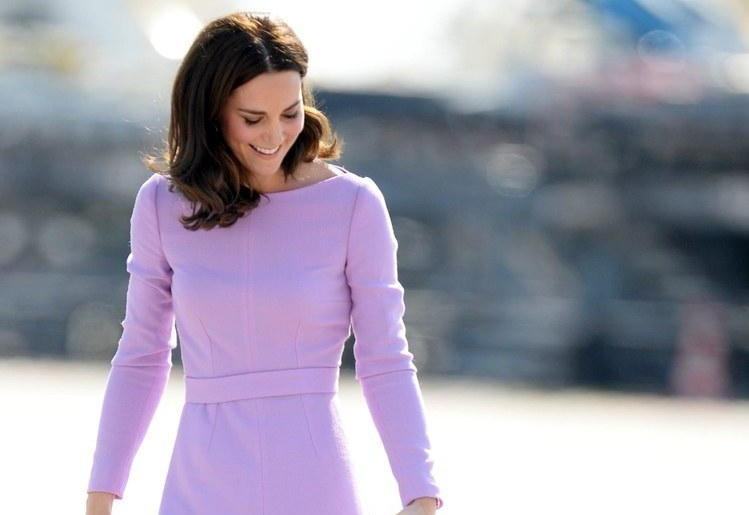 凯特王妃穿裙装真高雅,精致优雅时髦大气,气质出众又有韵味