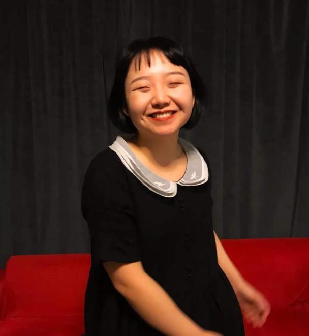 辣目洋子是什么宝藏女孩,不惧流言勇敢穿搭,用自信感化你
