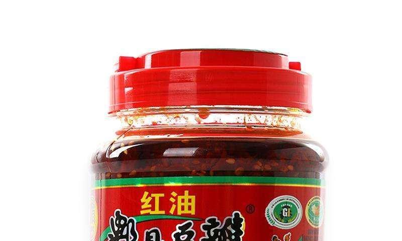 如何辨别真假郫县豆瓣酱?两种风味酱,哪个适合炒菜