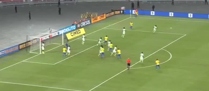 马尔基尼奥斯头球中横梁,卡塞米罗补空门破门