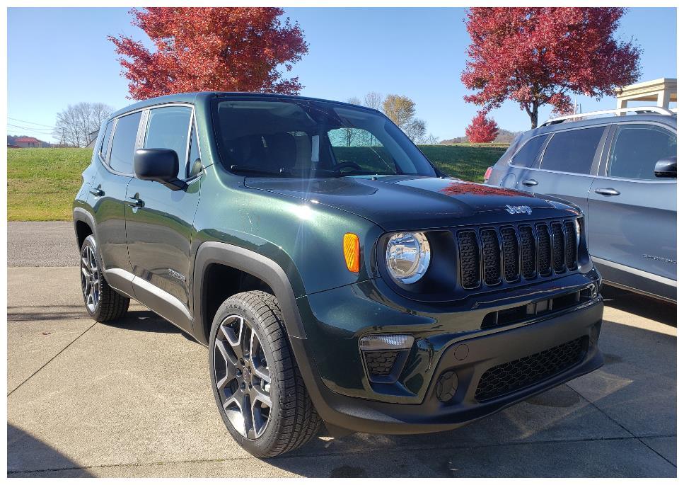 新款Jeep自由侠现身,换装熏黑格栅更显时尚,2.4L+四驱