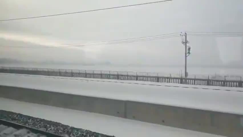 从白城到长春的火车上看科尔沁草原雪景(拍摄于2019年12月)