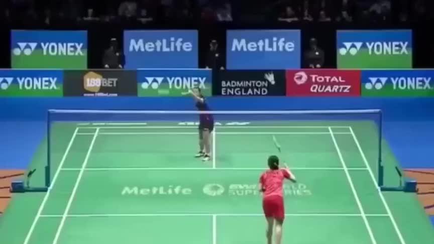 羽毛球:无论防守还是进攻 王适娴都让人竖起大拇指