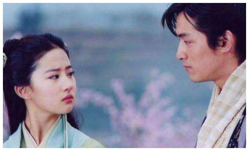 曾比胡歌、刘亦菲还要红,17岁怀孕名声一落千丈,后来又重生