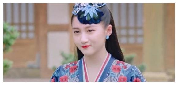 23岁关晓彤出演新剧,造型被嘲像孔雀,老气模样备受质疑