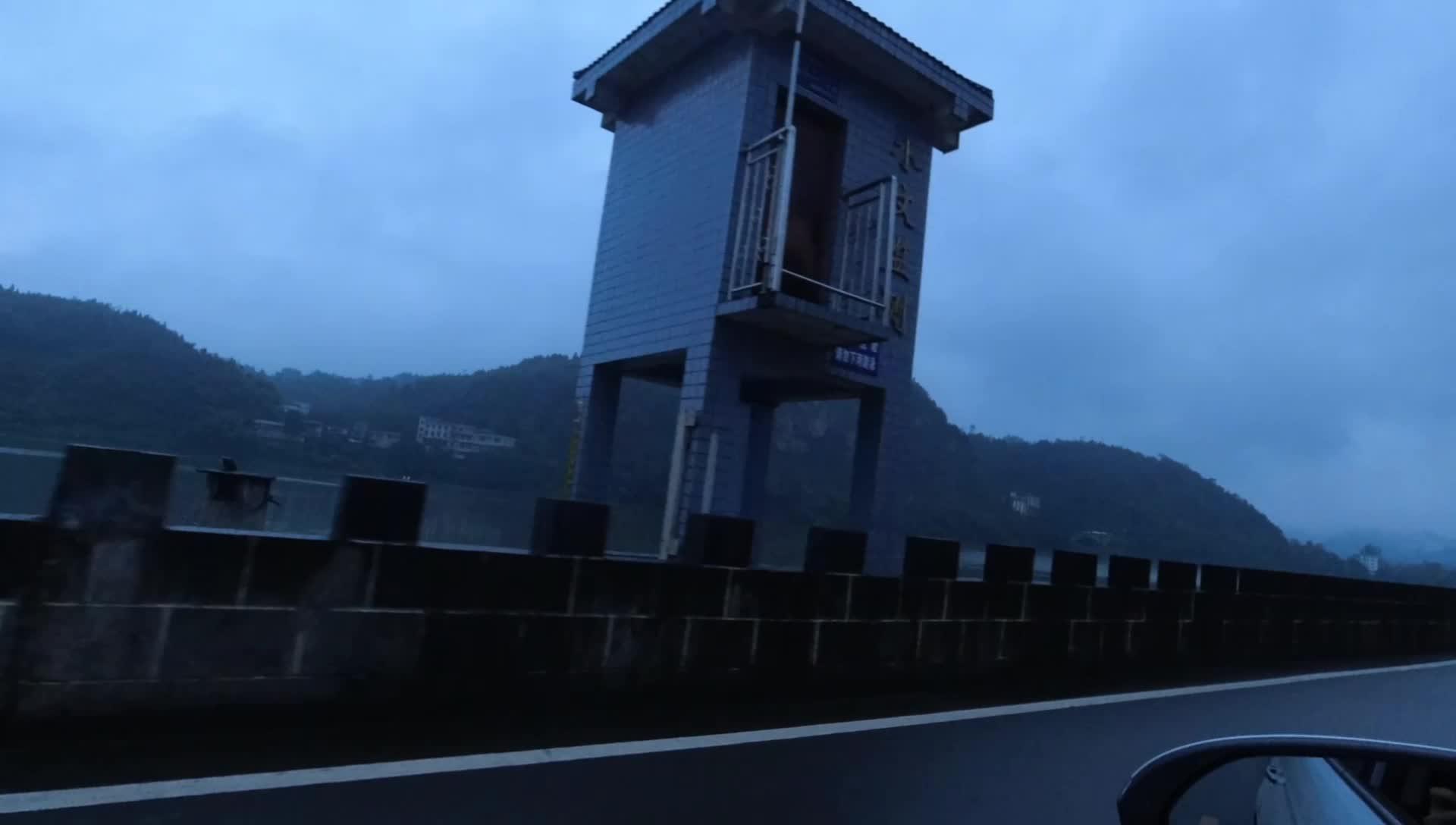 自驾游到达黔阳古城,真正的原生态古城,就是古街道有点恐怖!
