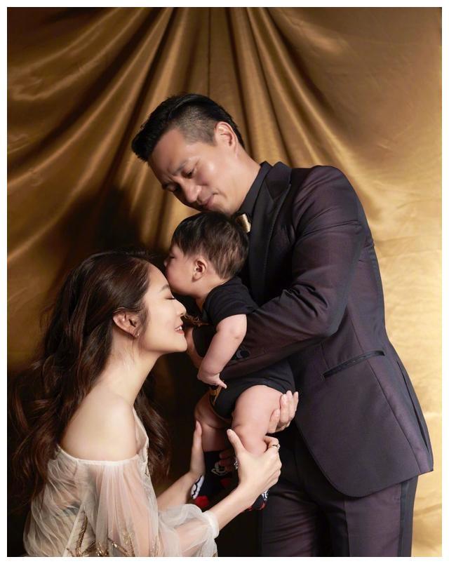 40岁的安以轩又怀孕了,结婚三周年是喜讯的爆炸