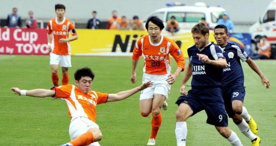 足球老照片:2011年4月20日亚冠G组第4轮,山东鲁能5比0阿雷马