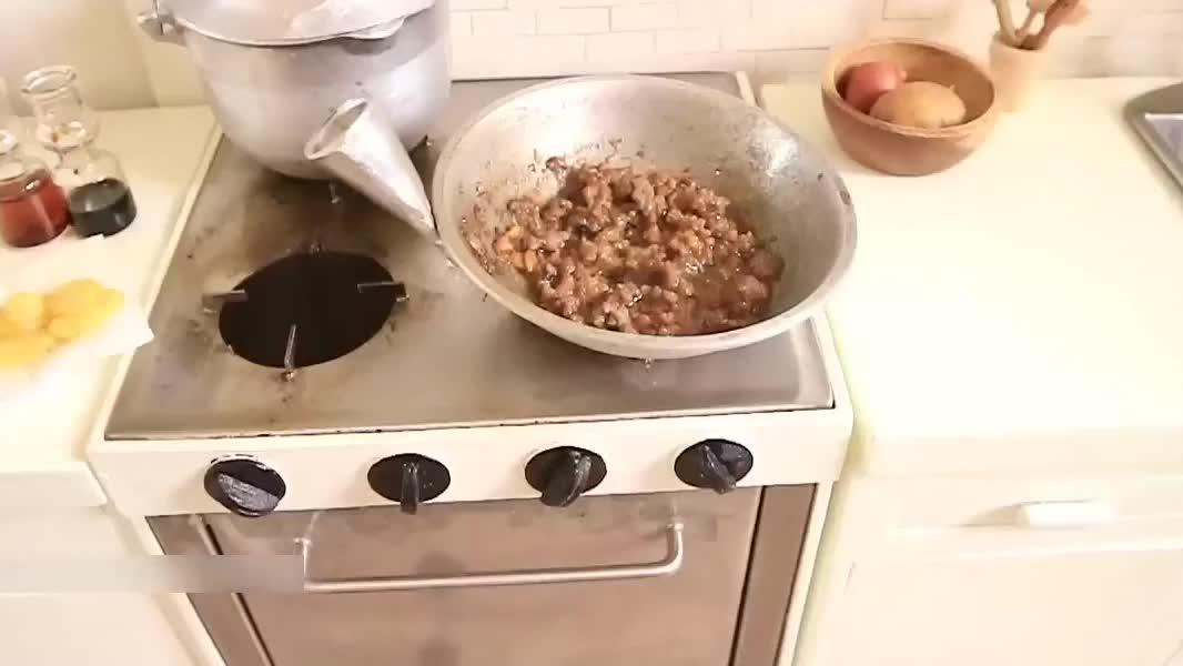 食玩,迷你厨房制作土豆烧牛肉,配上米饭美滋滋!