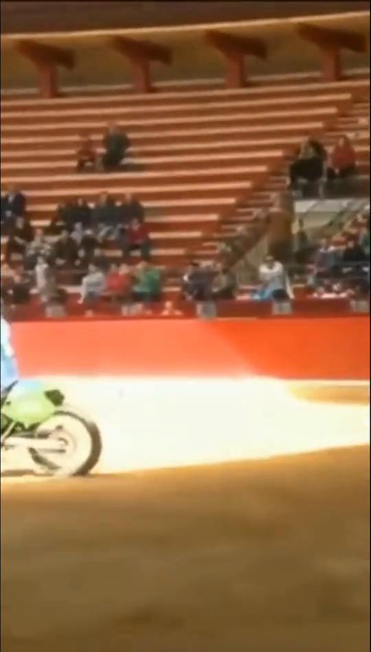 西班牙兴起的摩托车斗牛