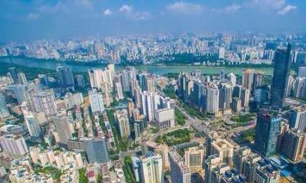 中国以200米以上的高楼为标准,南方数量多于北方,深圳最多