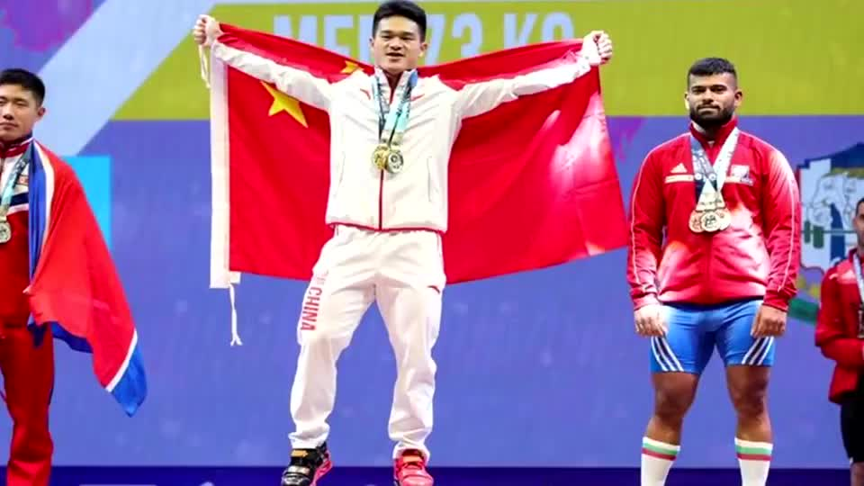 狂揽三金!里约奥运冠军举重世锦赛霸气折桂 破两项世界纪录