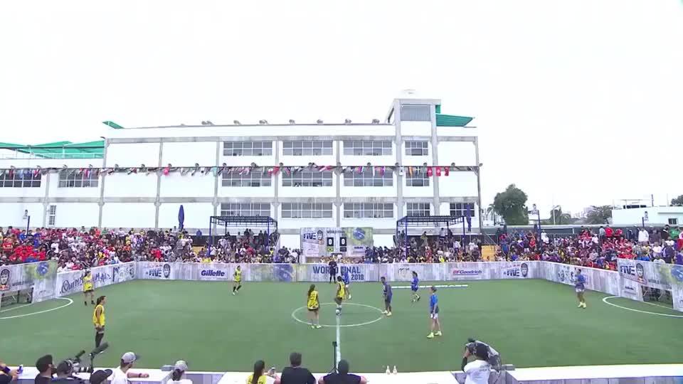 内马尔客串参加女足5人制比赛,人家足球氛围很值得我们学习