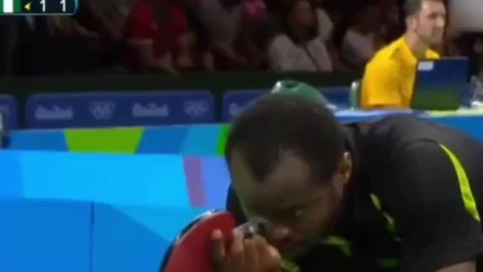 """马龙逆天神技打服""""非洲一哥"""",刘国梁看完这球后不停鼓掌!"""