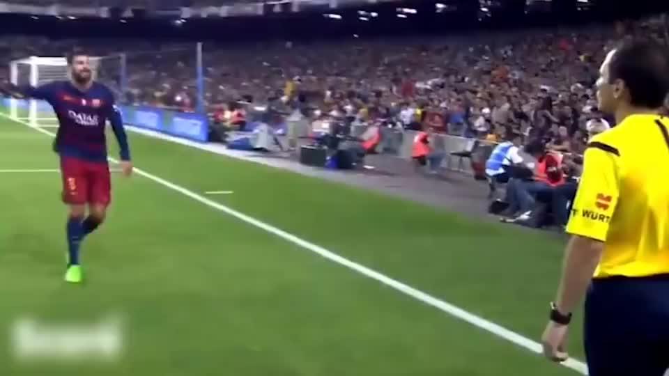 球员对裁判的冲动行为,c罗吃到红牌直接怒推裁判