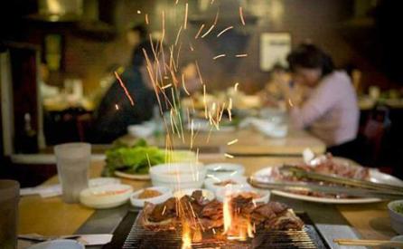 老马家木屋烧烤——健康美味的烧烤潮流