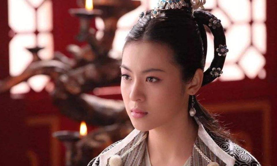 她15岁进入皇宫,嫁给雍正生下皇子,乾隆都为她停朝