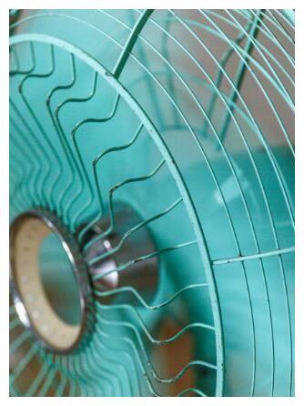 美的电风扇怎么清洗才正确 风扇清洗有技巧