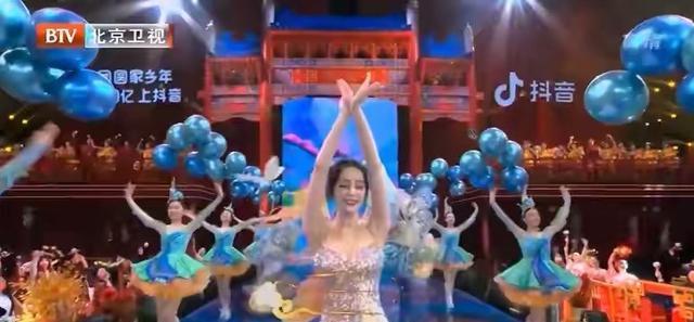 四大卫视春晚收视比拼:北京台夺第一,宋小宝加盟,肖战流量加持