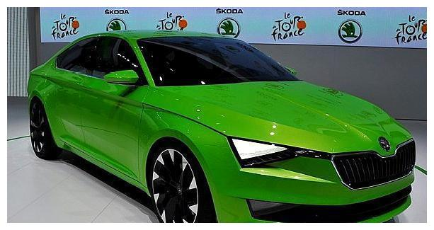 大众再次发力,三厢轿跑亮相,绿色车企配三角形大灯赶超大众CC