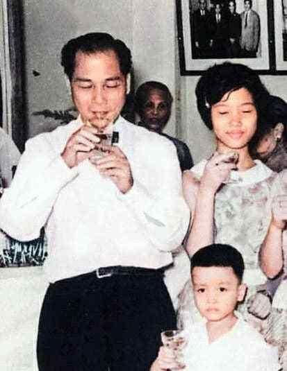 张国荣幼时与父亲张活海,母亲潘玉瑶真实影像